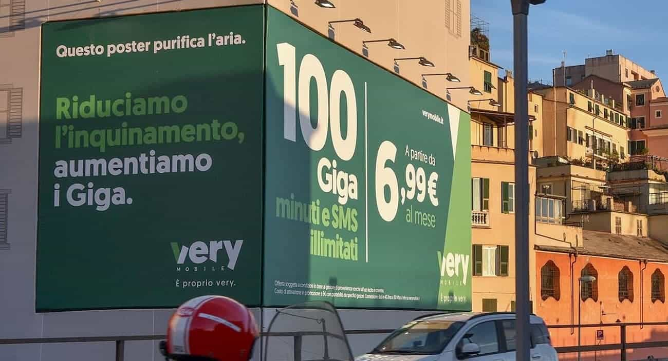 Affissione green Very Mobile Genova